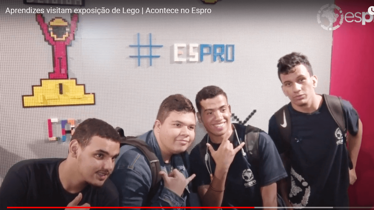 Aprendizes visitam exposição Lego