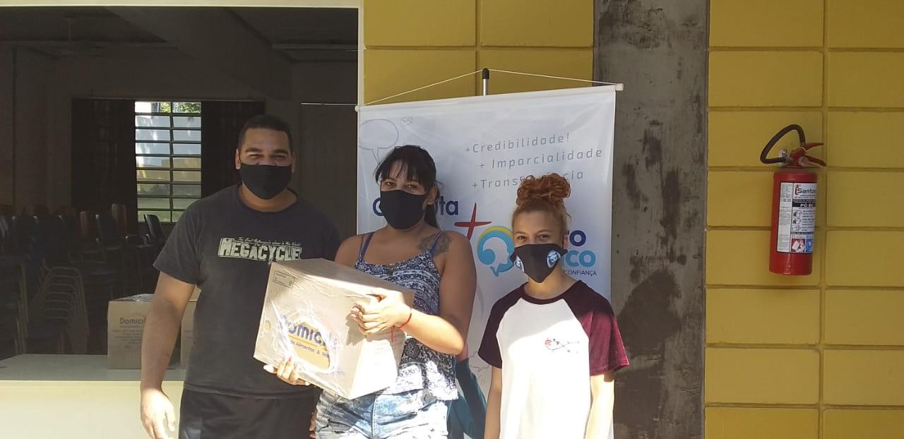 Espro distribui cestas básicas de parceiro para famílias de jovens vulneráveis do polo Itaguaçu